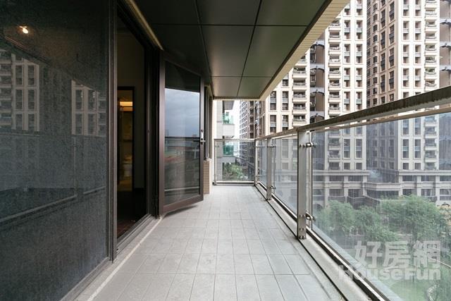 橋峰-綠藝 面公園,低樓層,一層三戶