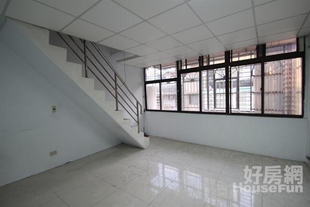 環狀捷運公寓頂加 近捷運站公車站埔墘國小興隆市場