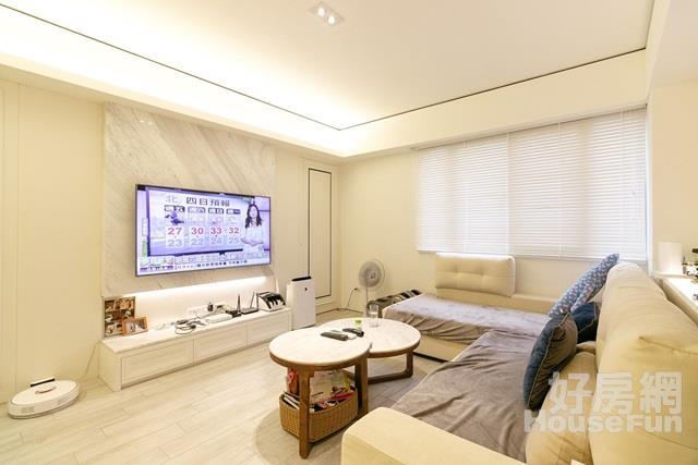 江翠裝潢三房華廈 屋齡新,簡單整理即可入住