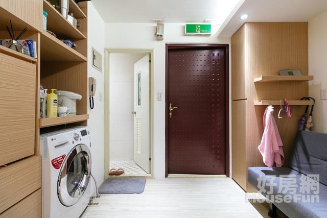 青年安心成家首選 鄰近府中捷運生活機能佳有裝潢
