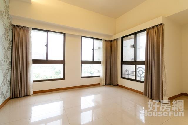 亞東綠景三房車位 邊間衛浴有窗雙視野 附精緻裝潢