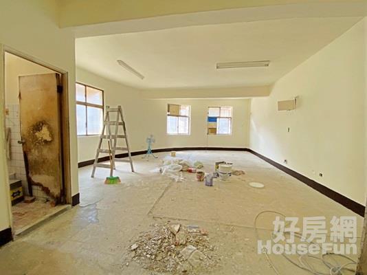 B40-江子翠邊間三樓~原況屋需整理~低總價~~