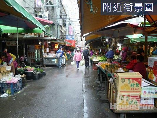 莒光市場蔬果店面 新埔住宅區中的熱鬧傳統市集