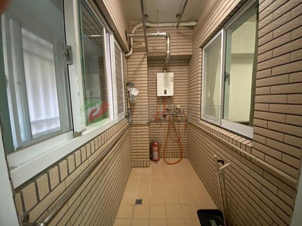 有巢氏桃園市買屋-活力城市綠景衛浴開窗裝潢4房車照片10
