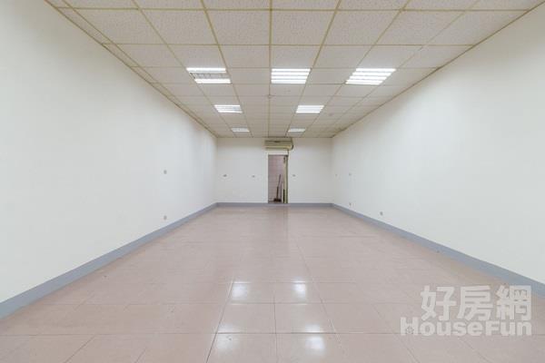 板橋建國停車一樓 門前方便停車 格局好規劃